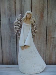 Anděl - víla stojící