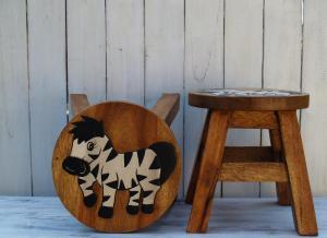 Stolička s obrázkem - průměr 25x25 cm ( zebra )