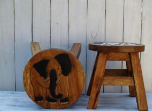 Stolička s obrázkem - průměr 25x25 cm ( sloník )