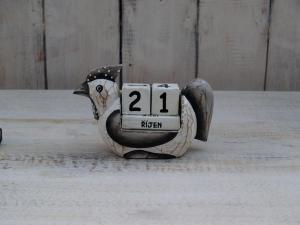 Kalendář slepička - výška 8x10 cm